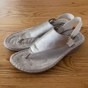 Cliffs by White Mountain Comfort Thong Sandals (8)